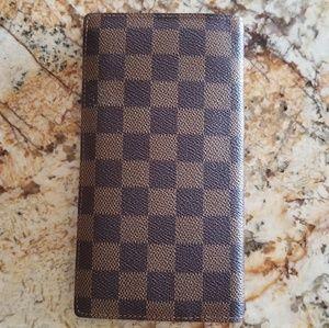 Louis Vuitton Bifold Wallet Clutch